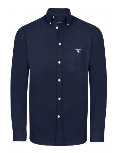 1779696e1c6a0 Camisa lisa con bolso Gant para hombre en color azul navy.